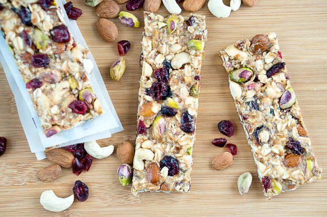 Healthy Homemade Granola Bars | www.deliciousmeetshealthy.com