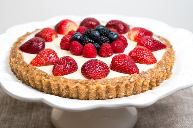 No Bake Berry Cheesecake   www.deliciousmeetshealthy.com