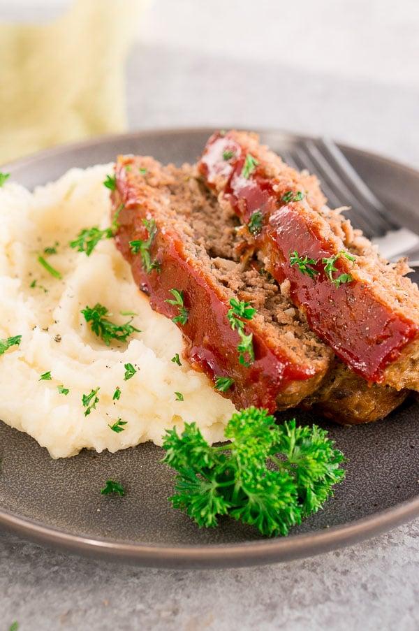 easy meatloaf recipe - meal prep