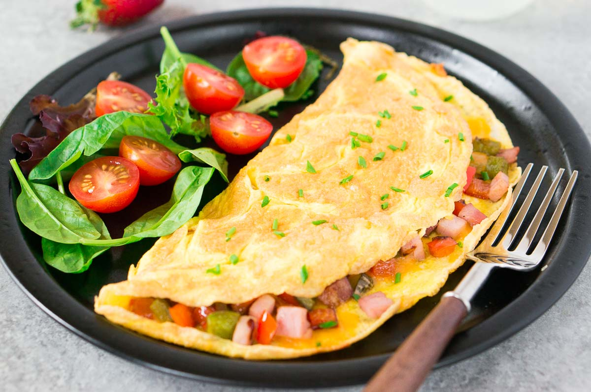 easy omelet with vegetables and ham